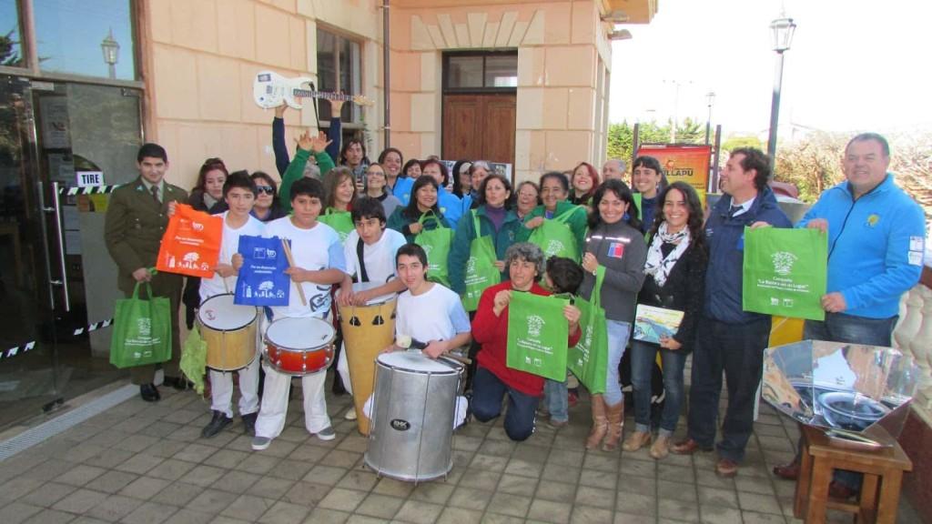 Red Ambiental y la comunidad pichilemina con música y bolsas ecológicas dieron inicio a campaña ambiental