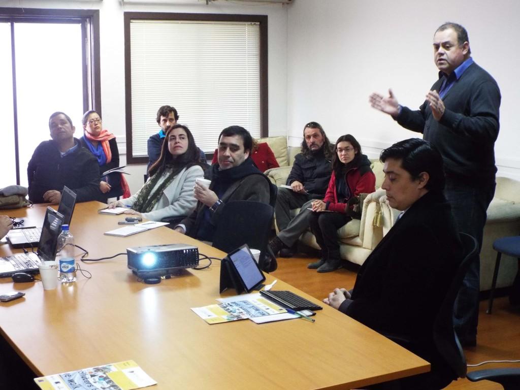 El Presidente de Cedesus, Cadudzzi Salas, abrió la reunión contextualizando el trabajo del proyecto Admicco en la comuna de Navidad