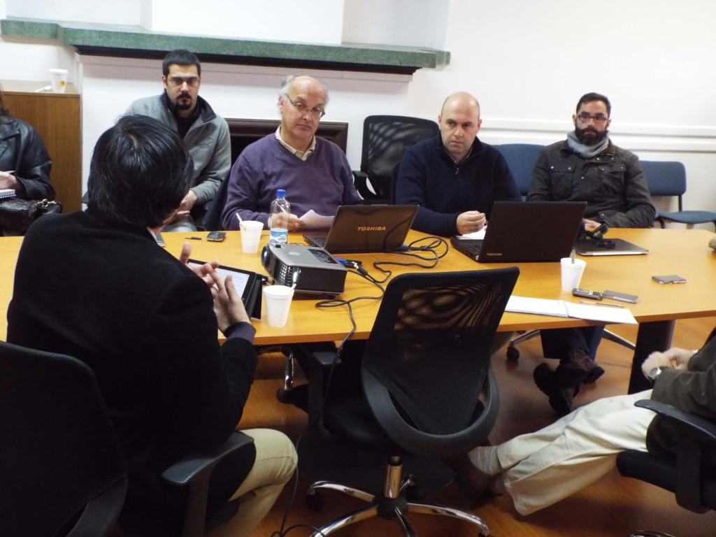 el doctor Luis Ribeiro hizo una presentación sobre el trabajo de Cuencas Hidrográficas que en Chile sería una de los aciertos en temas de planificación territorial.